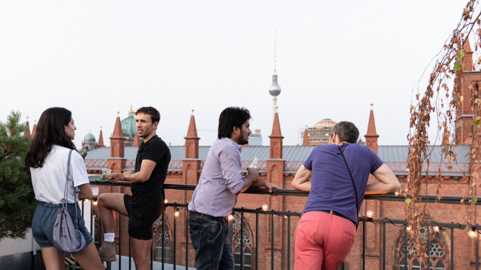 LifeX Apartment Rooftop in Berlin Mitte